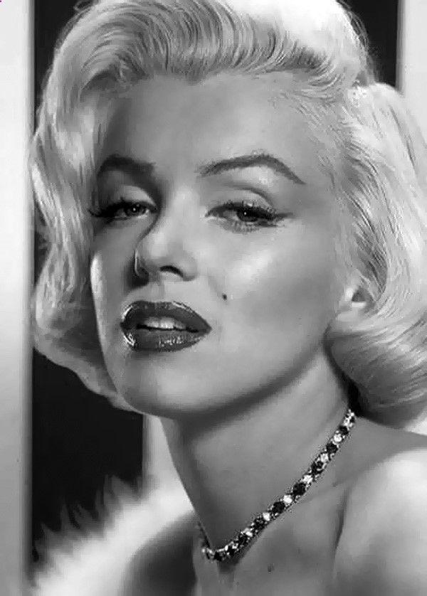 Pencil Portrait Mastery - Marilyn Monroe -pencil drawing! Plus ...
