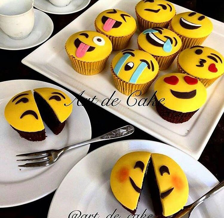 Birthday Cake Emoji Art : Emoji Cupcakes Desserts Pinterest Cake