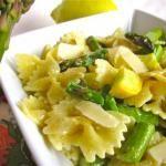 {Very Quick} Garlic Asparagus and Pasta with Lemon Cream