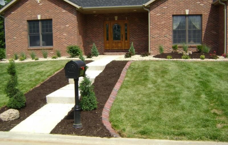 Garden Edging Next To Sidewalk Weilbacher Landscaping 640 x 480