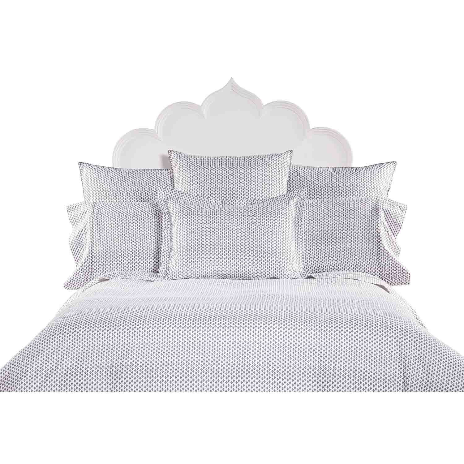round duvets white size insert feather comforter sale queen the hungarian alternative reviews big real duvet bedroom black world light alluring yellow in stuffed best european down goose twin comforters for year fluffy king