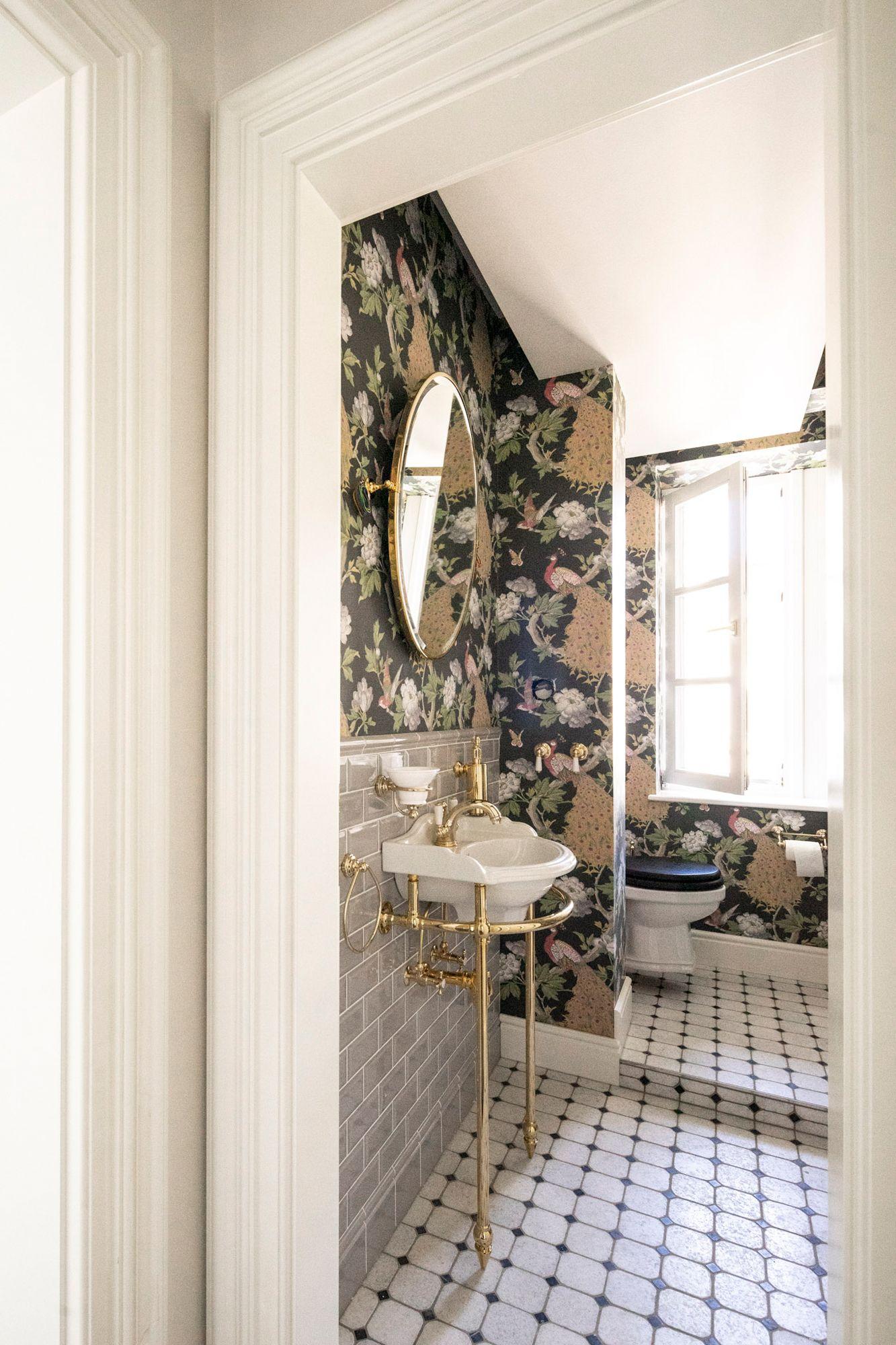 Wc Im Vintage Stil In 2020 Traditionelle Bader Vintage Badezimmer Badezimmer