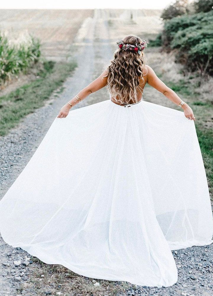 Spaghetti straps wedding dress | Boho Wedding Dress #weddingdress #bride #weddinggown #bridalgown #weddingdresses