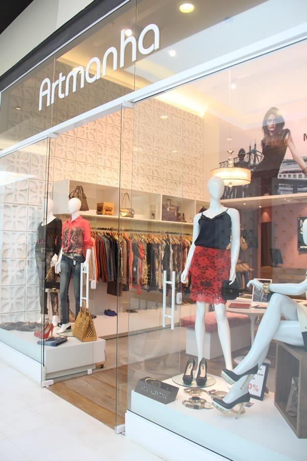 Loja artmanha feminina galeria da arquitetura boutique for Diseno de interiores almacenes de ropa