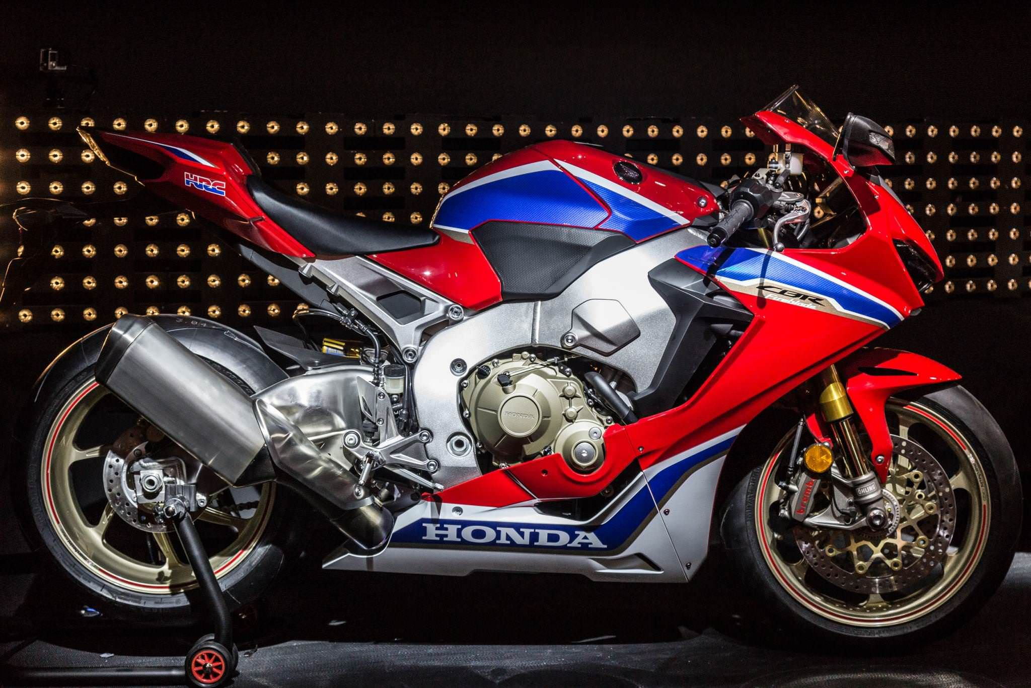2017 Honda CBR1000RR SP2 Review Specs