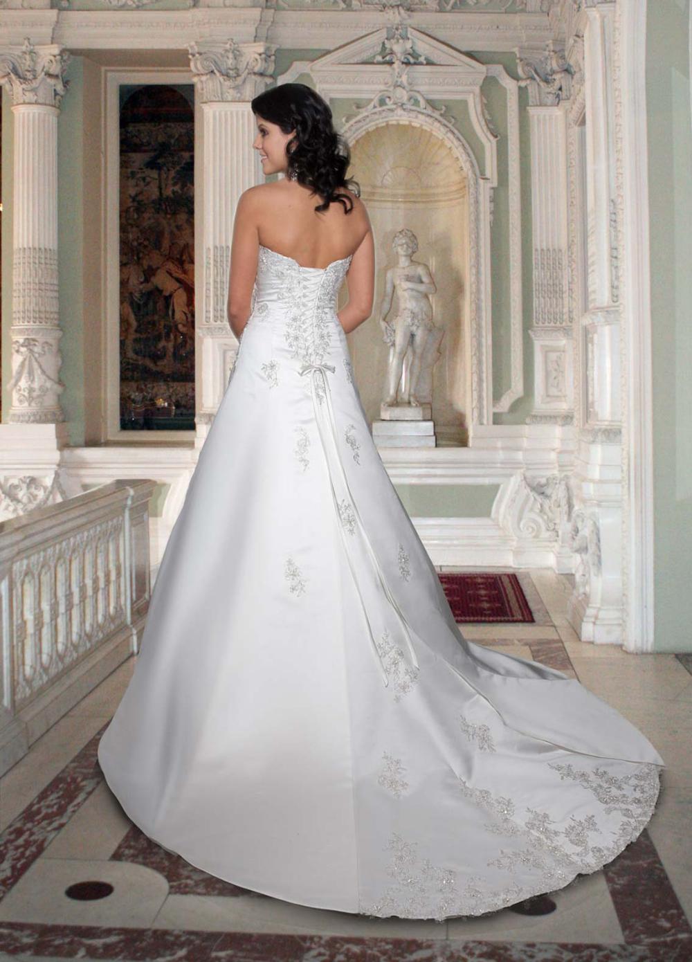 Style 8354 Davinci Wedding Dresses In 2020 Wedding Dresses Glasgow Wedding Dresses Davinci Wedding Dresses
