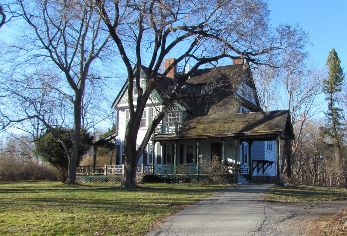 Gorgeous Ship Builders Home Built In The 1800s In Montrose Pa Victorian Homes Exterior Old House Dreams Montrose