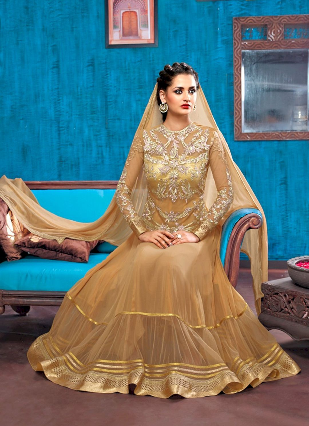 30+ Luxurious Golden Wedding Gown Ideas For Bride Looks More Pretty ...