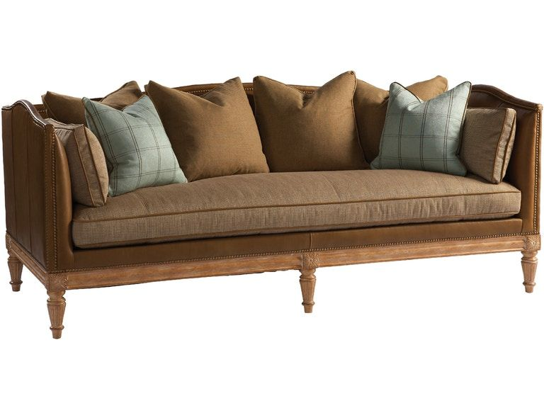 Lillian August Sofa In 2020 Sofa Chesterfield Style Sofa Sofa Design