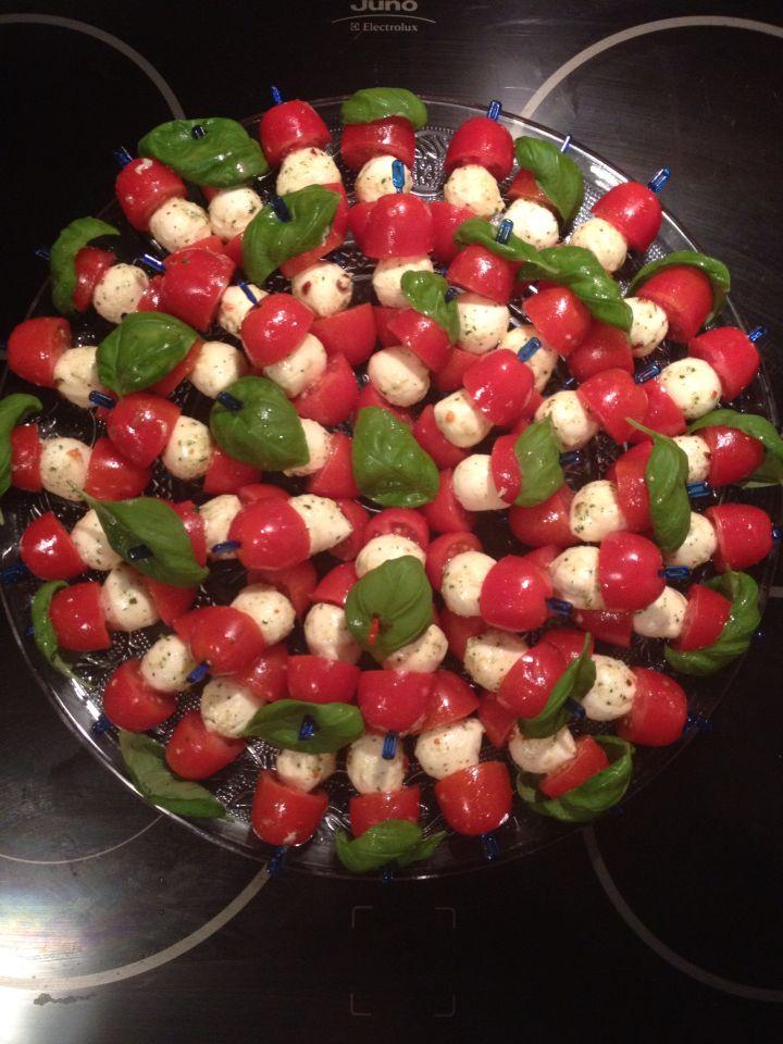 Tomaten Mozzarella Spiesse Tomate Mozzarella Spiesse Tomate Mozzarella Vorspeisen Rezepte