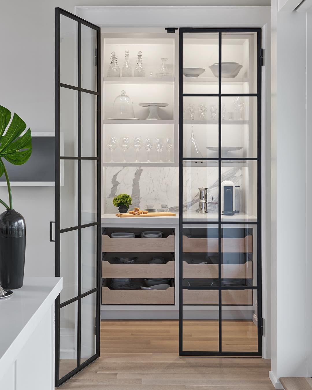 21 Stylish Pantry Door Ideas To Make Your Kitchen Efficient Pantry Design Pantry Room Glass Pantry Door