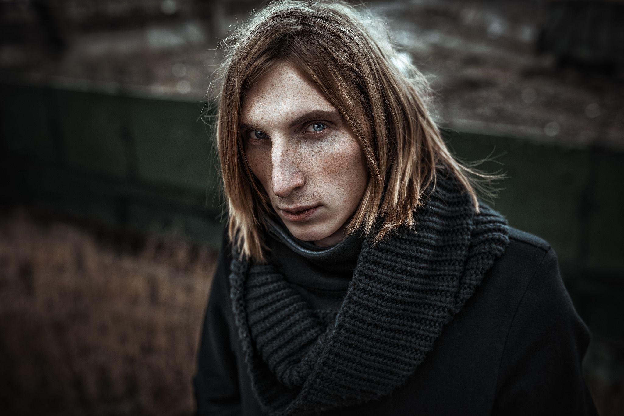 https://www.flickr.com/photos/aleksandr_fagot/23103417622/in/pool-angelpeople/