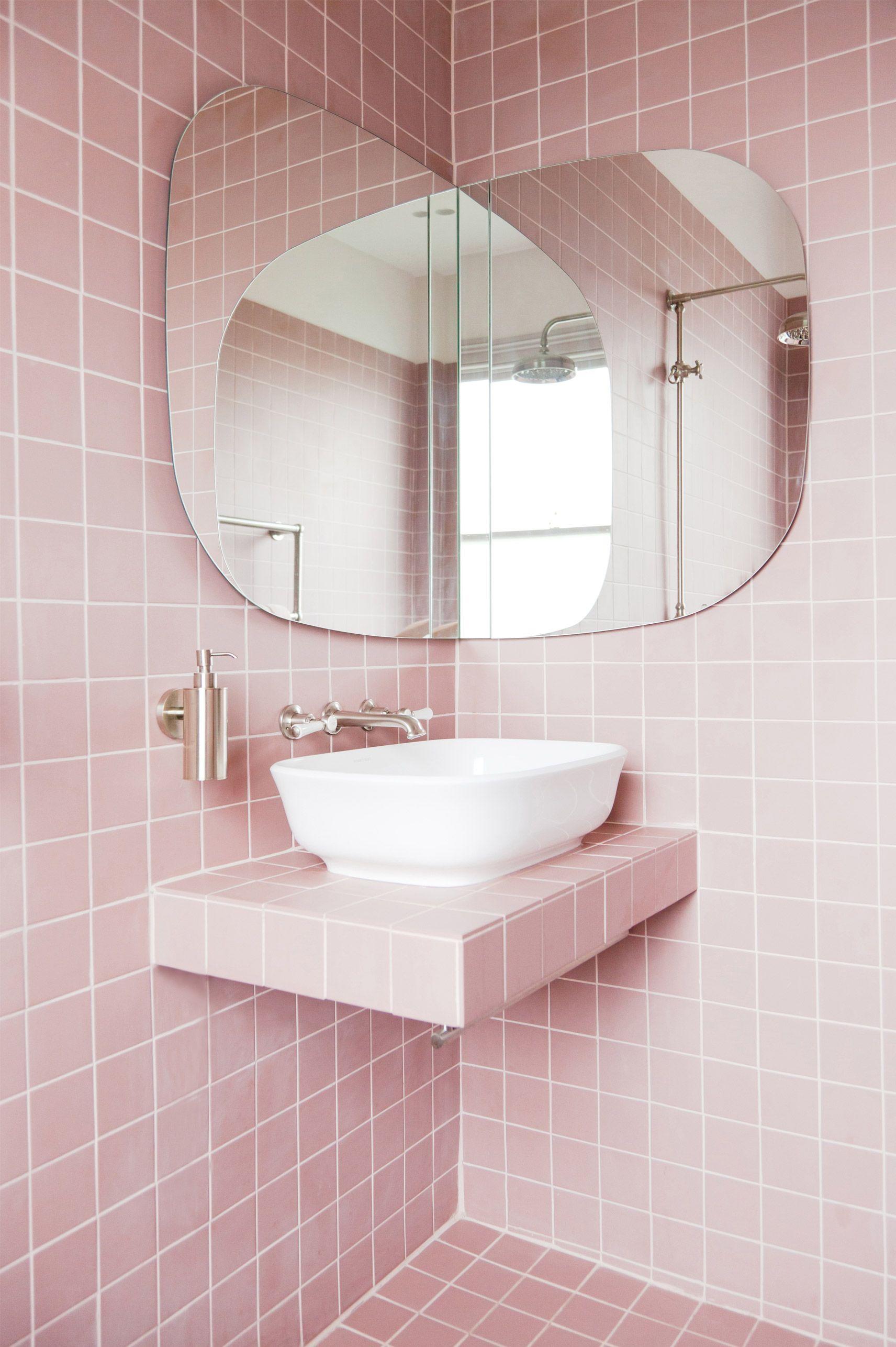 2LG Studio Our dream pink bathroom