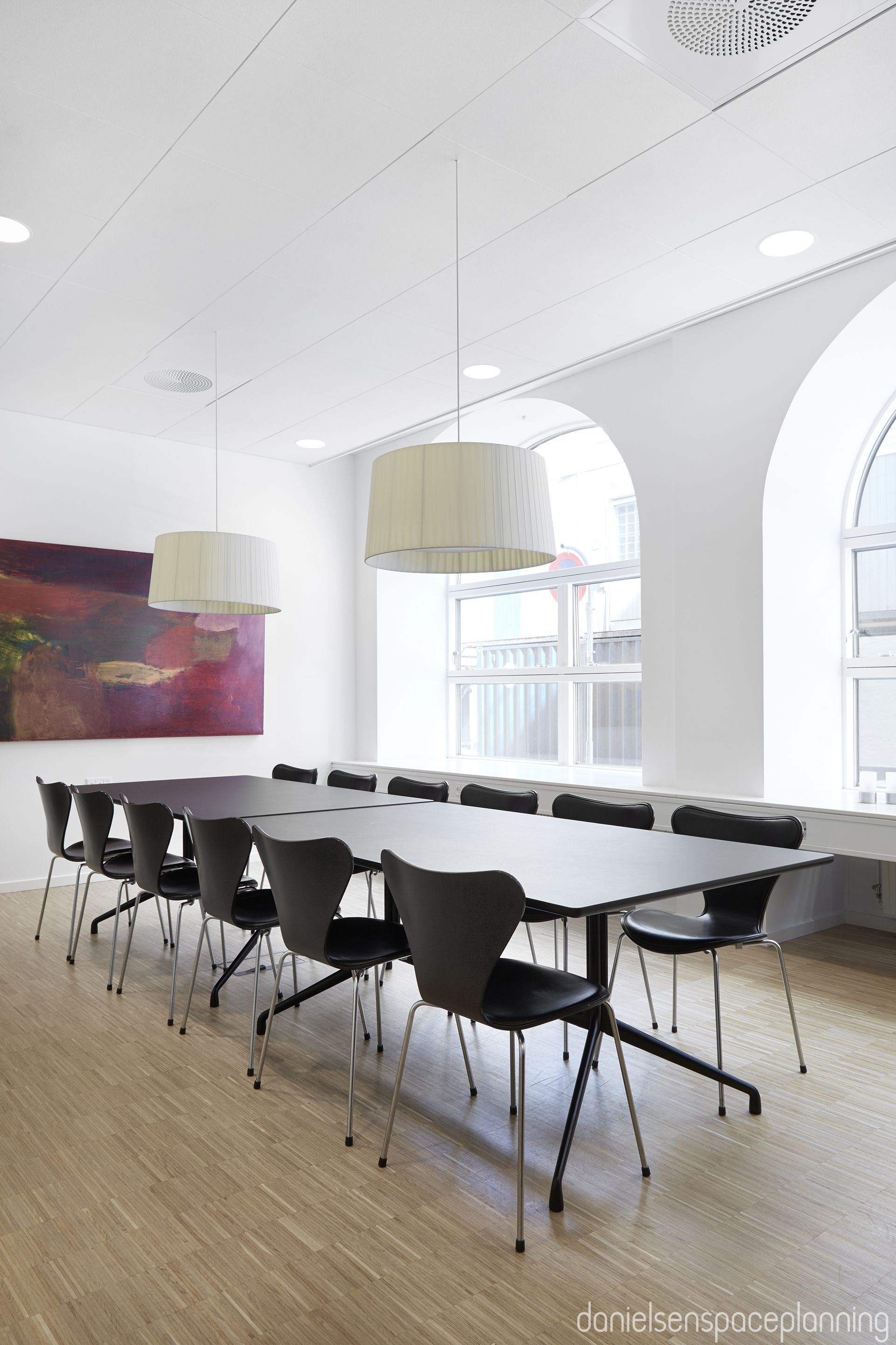 Meeting room - AON's office interior design in Copenhagen - by Danielsen Spaceplanning