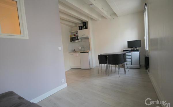 Location appartement 2 pièces 26 m² Paris 4e - 1 050 u20ac 75004 Paris - location studio meuble ile de france