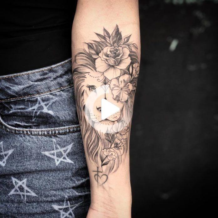 Löwentattoo + Blumen auf dem Unterarm - Tattoo Ideas