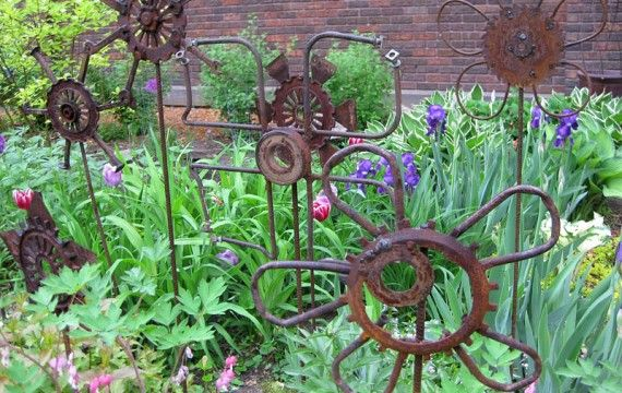 "DIY ""Junk"" Garden Art 