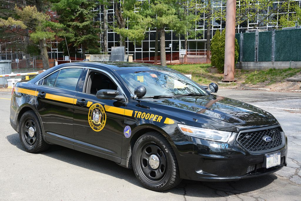 picture of new york state trooper car 1t20 2014 ford. Black Bedroom Furniture Sets. Home Design Ideas