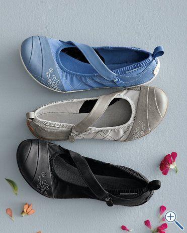 Kan inte Dold Kaliber  Merrell Wonder Glove ballet shoes...so comfy! Garnet Hill...$100 ...