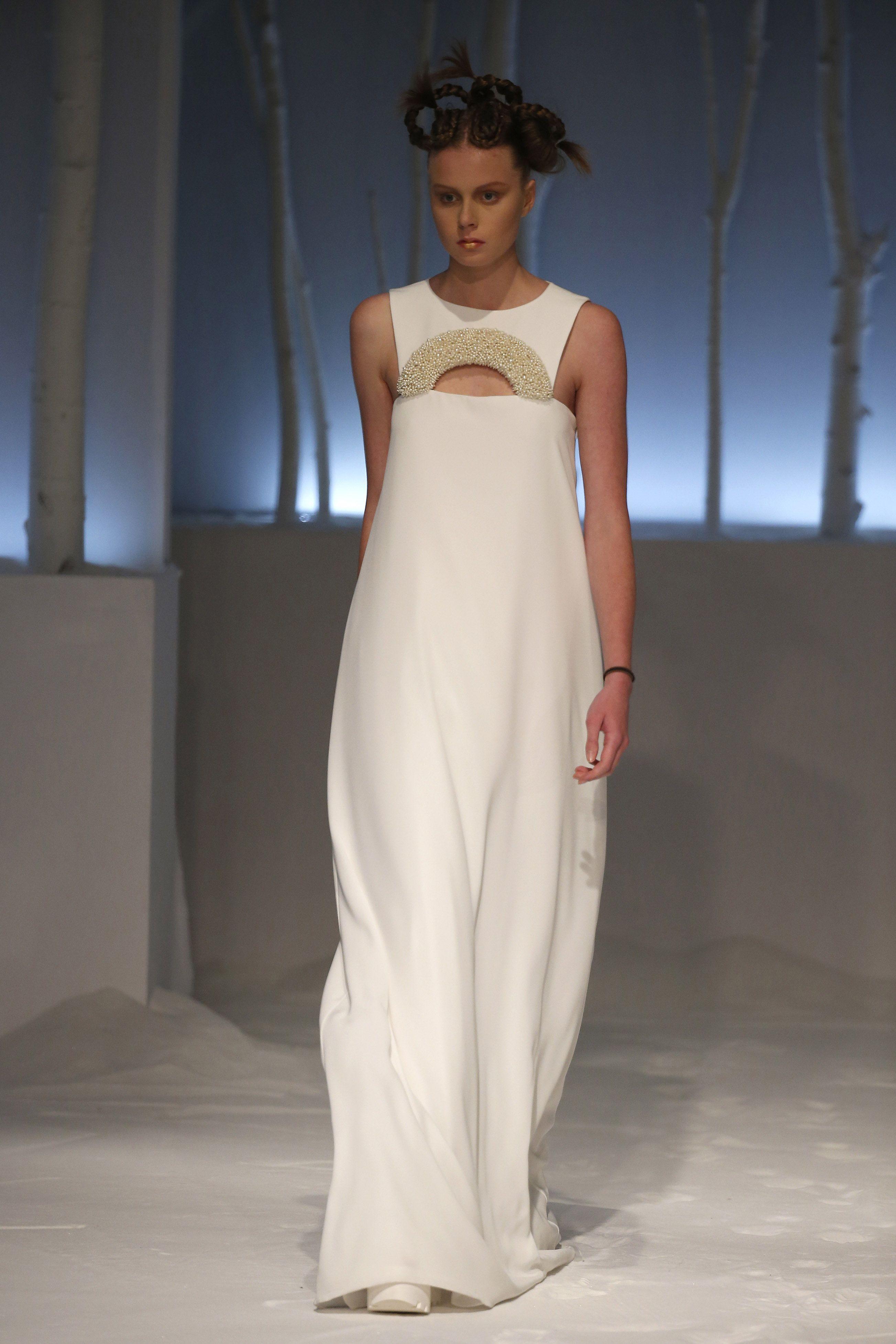 Silk sheath wedding dress  Pin by David Fielden on david fielden sposa   Pinterest