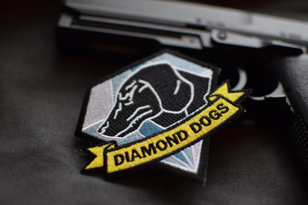 Metal Gear Solid 5 Diamond Dogs Iron On Embroidered Phantom Etsy Diamond Dogs Metal Gear Solid Metal Gear