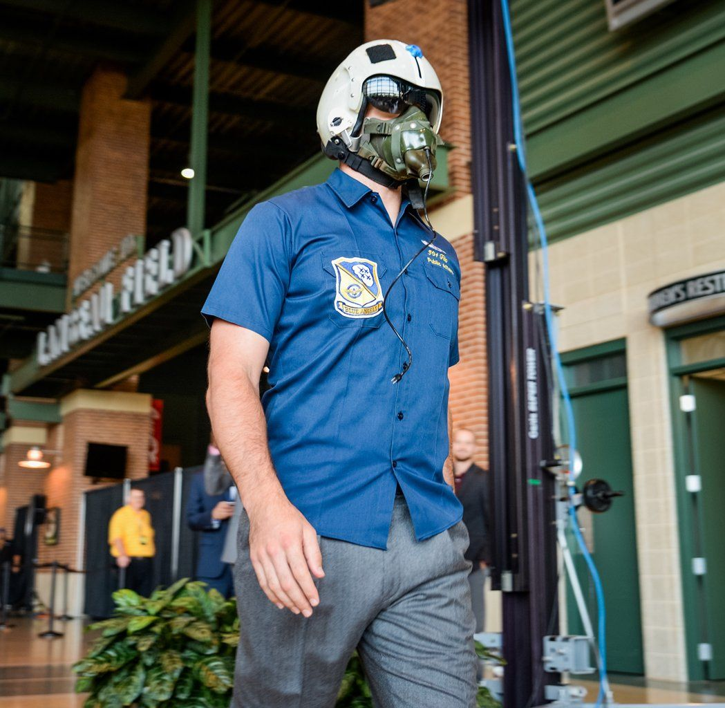 Rodgers Kuhn Dress Like Pilots At Packers Luncheon Packers Green Bay Packers Aaron Rodgers