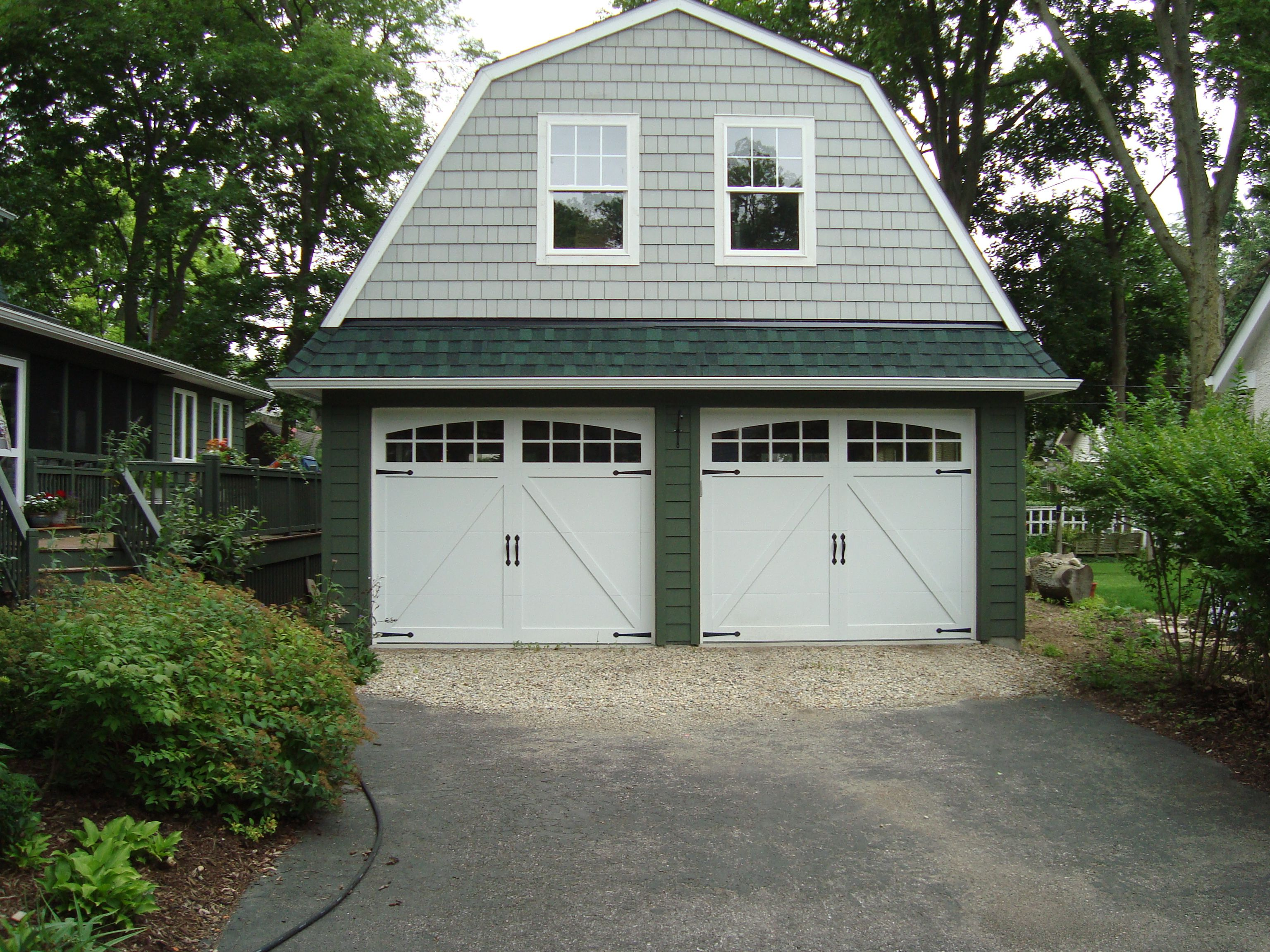 C H I 5333a White Carriage House Insulated With 2 2 Piece