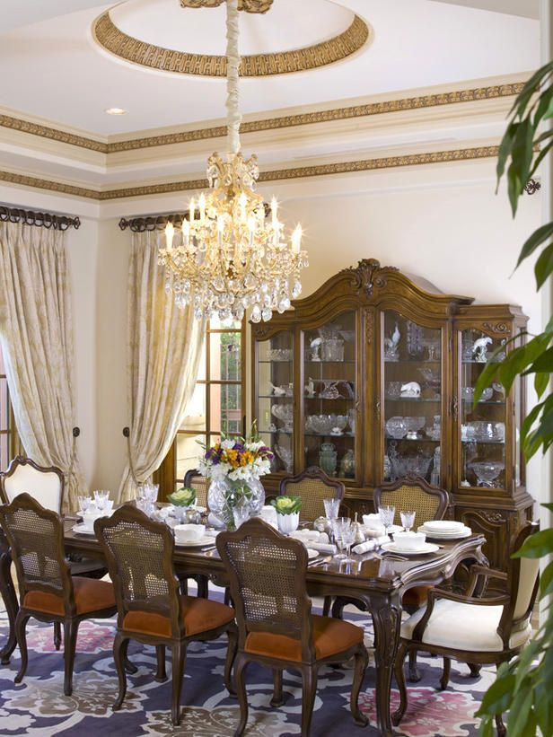 Victorian Elements Ceiling Medallion Floor To Ceiling Drapes Sheer Accent Moulding W Li Dining Room Victorian Elegant Dining Room Dining Room Decor Modern