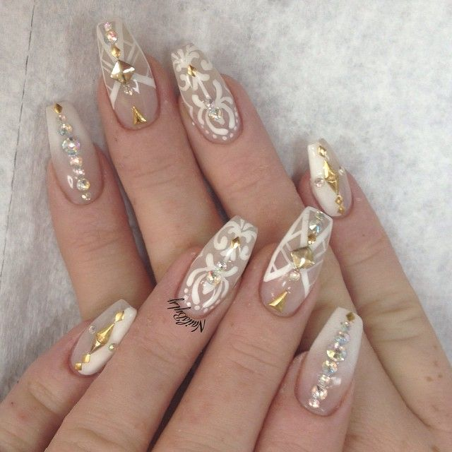 White And Gold Coffin Nails So Beautiful Coffin Nails