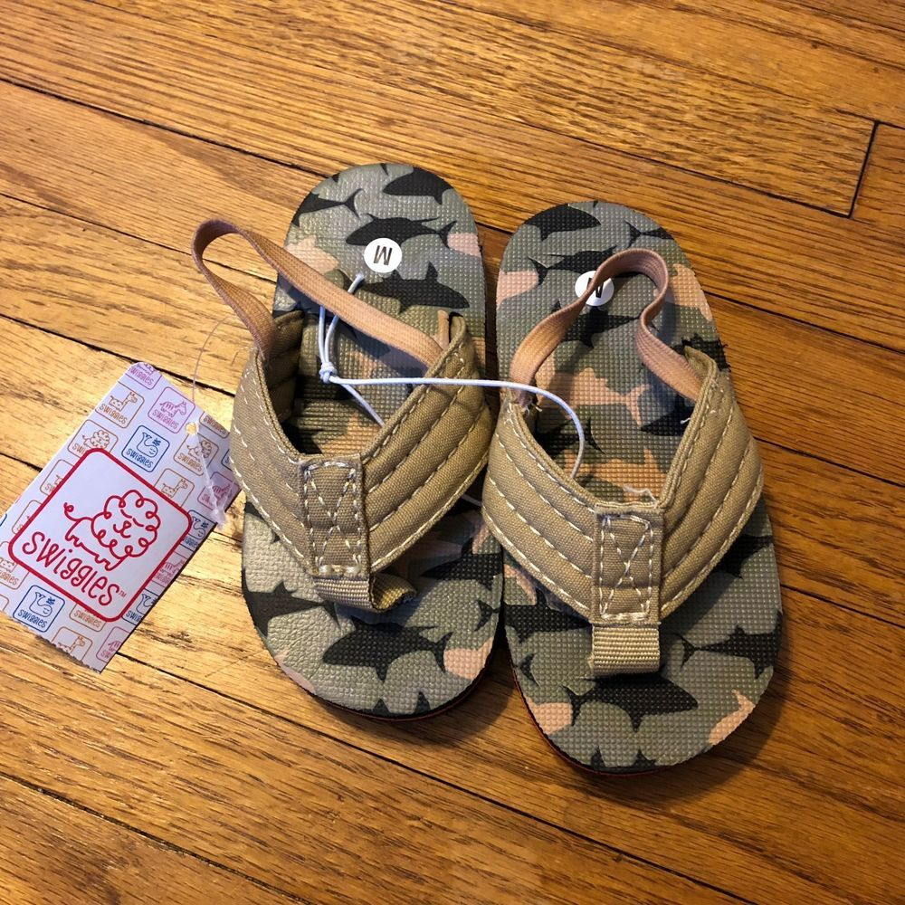 1328d9bf4d35 Toddler Boys Sandals Camo With Strap Medium Size 7 8 NWT  fashion  clothing