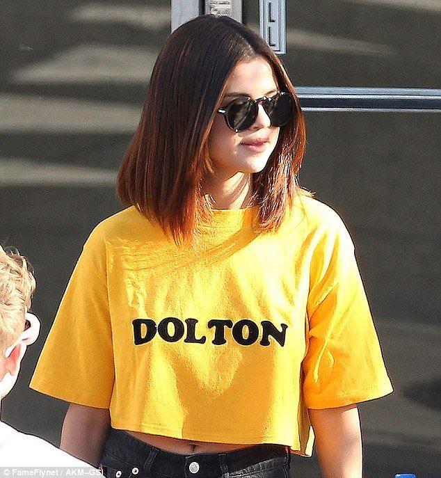 Get Yellow Selena Gomez Sunglasses PNG