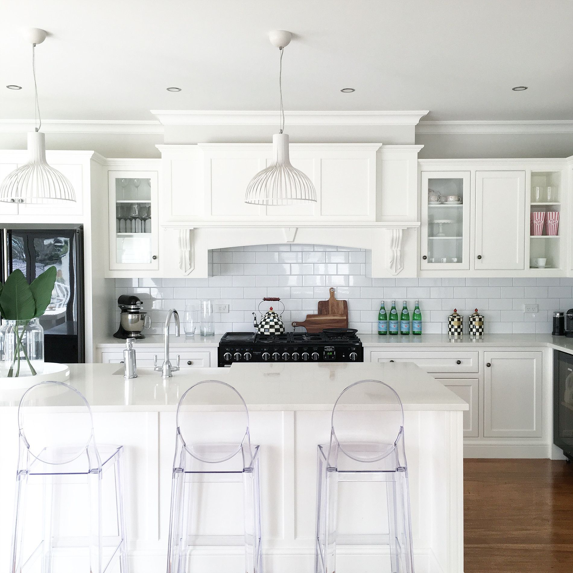 Villa Homes Design Traditional English-style Kitchens That