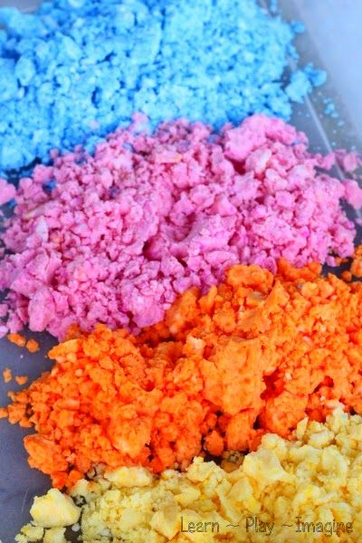 Summer sensory dough in seasonal scents and colors - it's so easy and inexpensive to make!