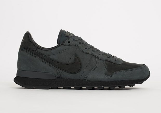 free shipping f59f1 29a9a Nike Internationalist LX Anthracite  SneakerNews.com