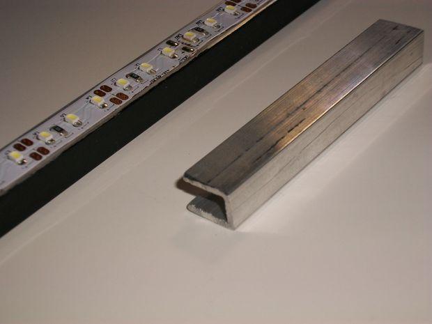 How To Make Diy Grow Lights With Led Strip Lights Led Grow Lights Diy Led Strip Lighting Led Strips Diy