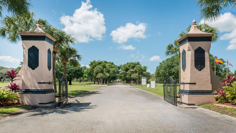 670fec684ed498ef694c8831c21a6af9 - Cadillac Memorial Gardens East For Sale