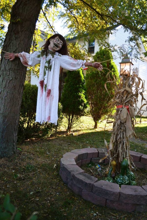 25 freaky and creepy halloween yard decorations house design and decor