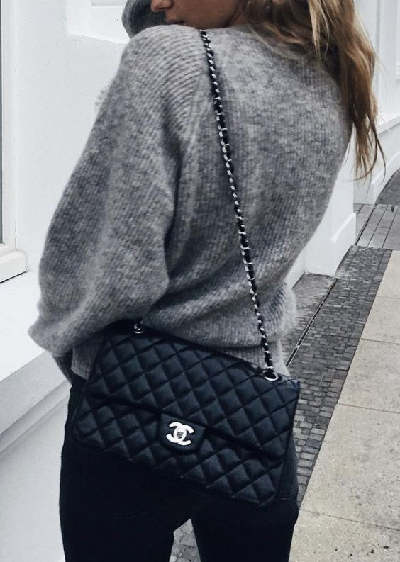 ce51b6794834 Chanel Classic Flap bag / street style fashion #desginerbag #luxury #chanel  #chanelbag #streetstyle #fashion / Instagram: @fromluxewithlove