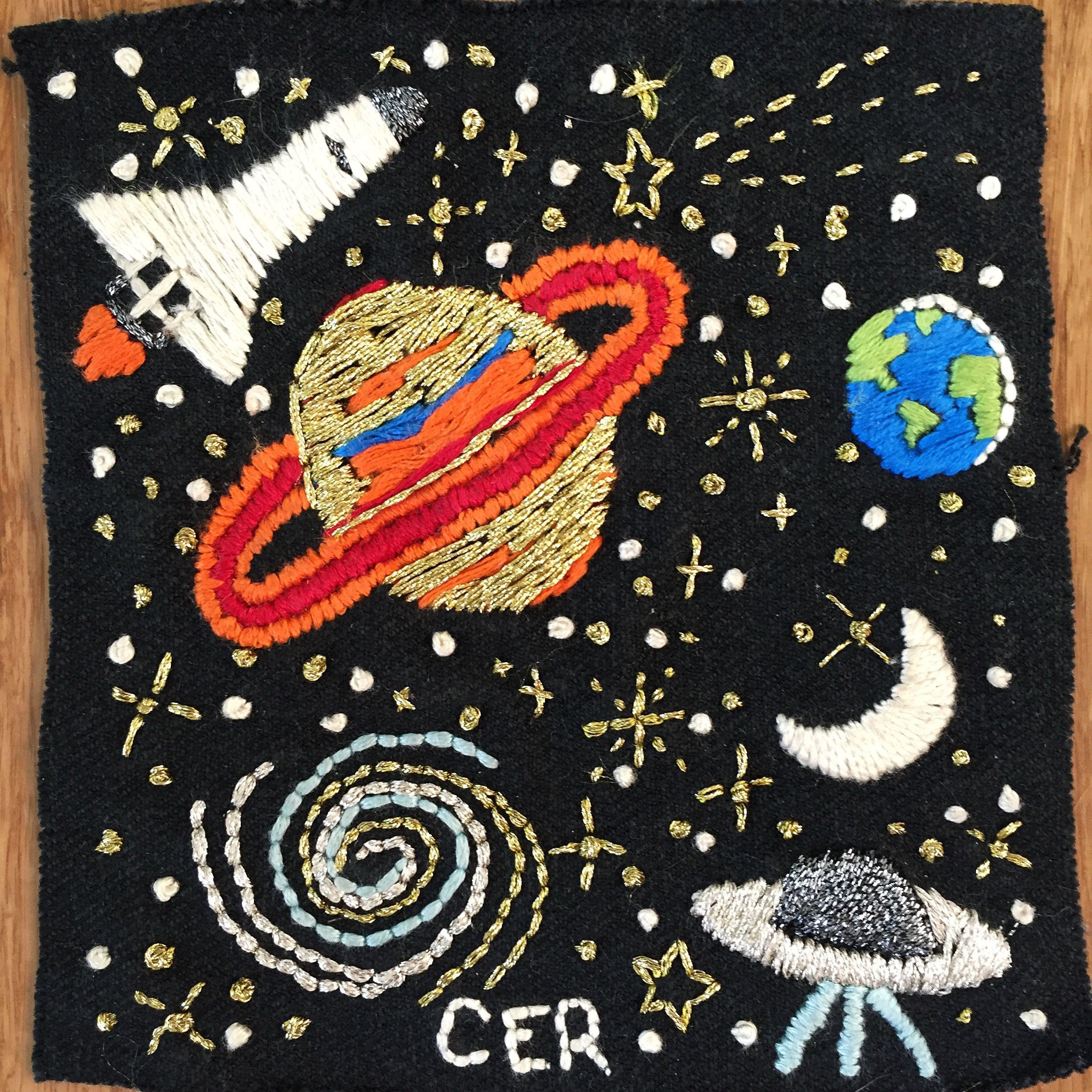 Space embroidery by @chelseaerinray (Instagram) // hand embroidery // Saturn // moon // Galaxy // ufo // stars // patch