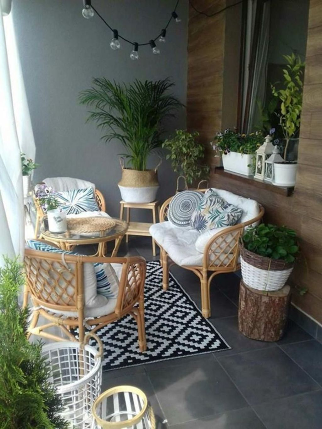 44 Stunning Winter Balcony Decorating Ideas - HOMYHOMEE | Apartment balcony decorating, Balcony decor, Small balcony decor