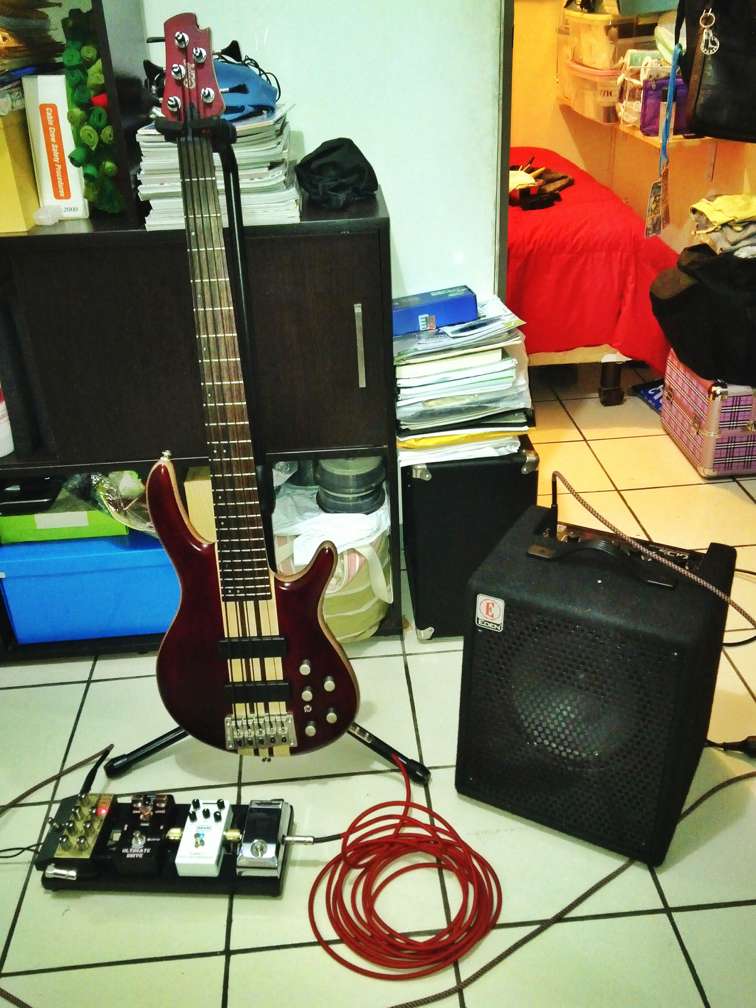 Cort A5 Bass And Eden Ec10 Combo Amp Bass