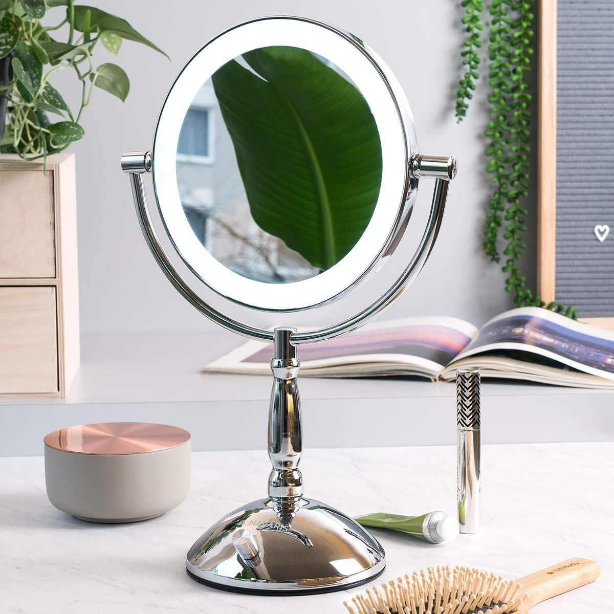 Kosmetik Rasierspiegel Mit Dem Design Vergrosserungsspiegel Mit Standfuss Von Navaris Make In 2020 Schminkspiegel Beleuchtet Schminkspiegel Kosmetikspiegel