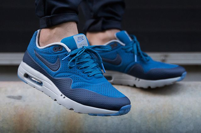 uk availability 9e212 cb349 Nike Air Max 1 Ultra Moire Blue Navy 02