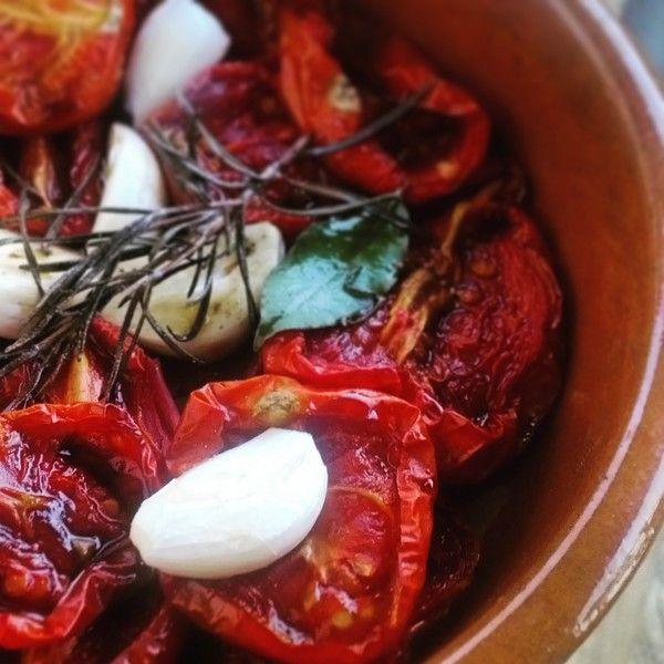 Tarte tomates confites, ail rose