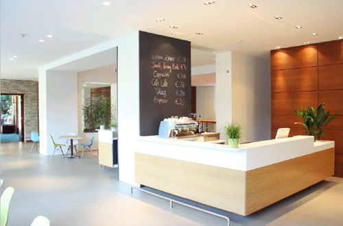 Budget design hotel ide lobby atau bar yang menarik for Budget design hotel