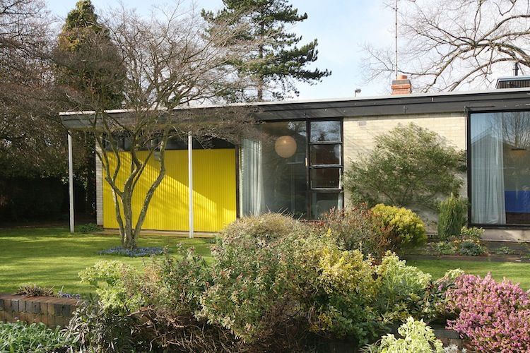 mid century bungalow, modernist architecture, 22 Avenue Road ...