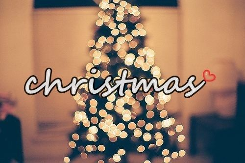 Bild über We Heart It https://weheartit.com/entry/146633335/via/16859407 #christmas #heart #lights #snow #tree #winter