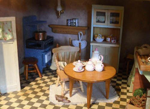 1940 kitchen table 1940 kitchen table   doll house things   pinterest   miniature      rh   pinterest com