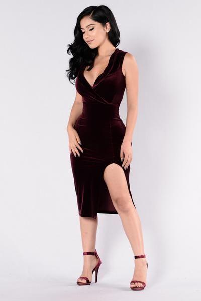Velvet Kiss Dress - Plum