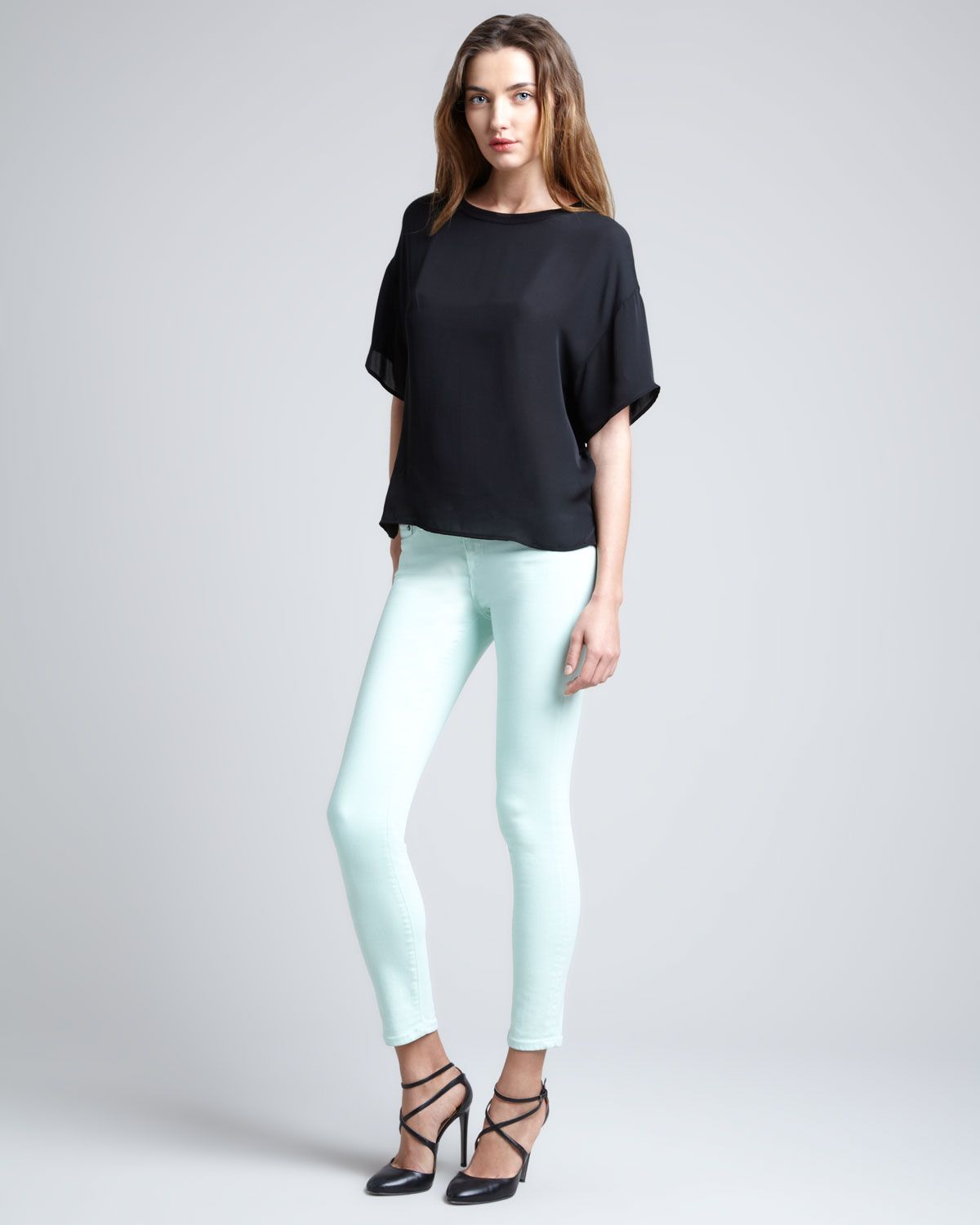 http://ncrni.com/vince-oversized-mixed-media-sweater-skinny-ankle-jeans-p-3034.html